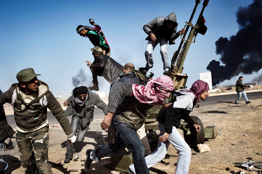 Δεύτερο                                                            βραβείο -                                                            'Εκτακτα Νέα'.                                                            στον δρόμο για                                                            την επανάσταση                                                            - Λιβύη