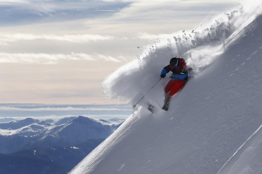 Ο Σουηδός σκιέρ Jon Oerarbaeck στο βουνό Seegrube στο Ίνσμπρουκ της Αυστρίας.