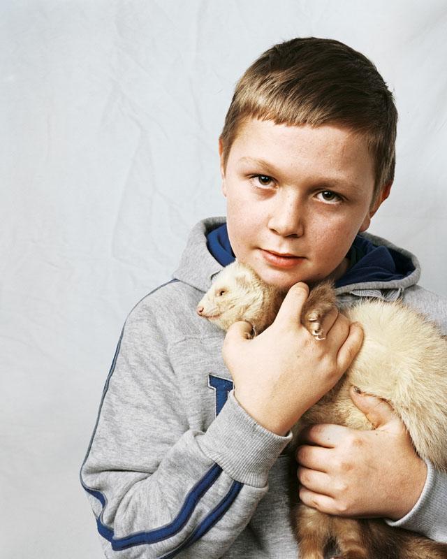 Lewis, 10, Μπάρνσλεϊ, Αγγλία