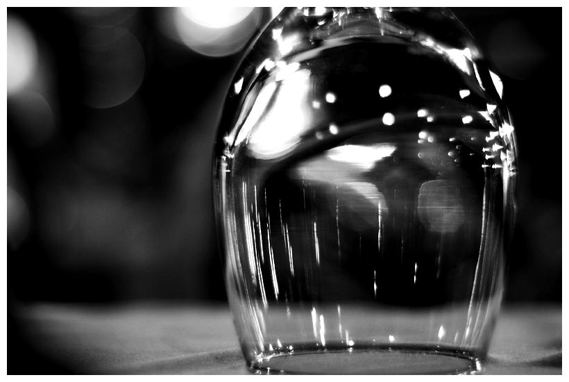Κατεβάστε το ποτήρι