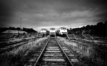 train_railway_rails_black_and_white_54244_1920x1200