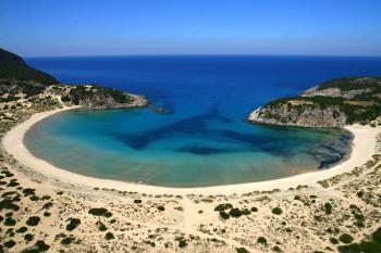 Πρόκειται για μία από τις ομορφότερες παραλίες της Ελλάδας, σίγουρα τη δημοφιλέστερη της Μεσσηνίας. Η εξωτική, στρογγυλή παραλία της Βοϊδοκοιλιάς εντυπωσιάζει με τους αμμόλοφους, τα γαλαζοπράσινα και πεντακάθαρα νερά της.