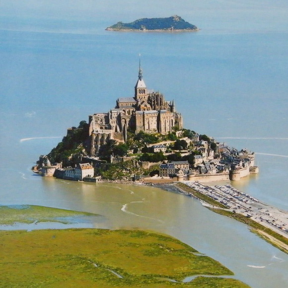 061_france-normandy-mont-st-michel-high-water-800x800