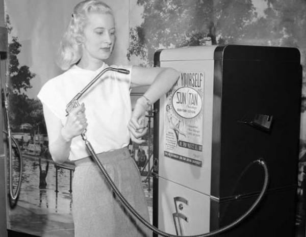 συσκευή μαυρίσματος με αντλία, 1949.