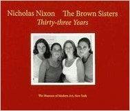 4 αδελφές φωτογραφήθηκαν κάθε χρόνο επι 36 χρόνια