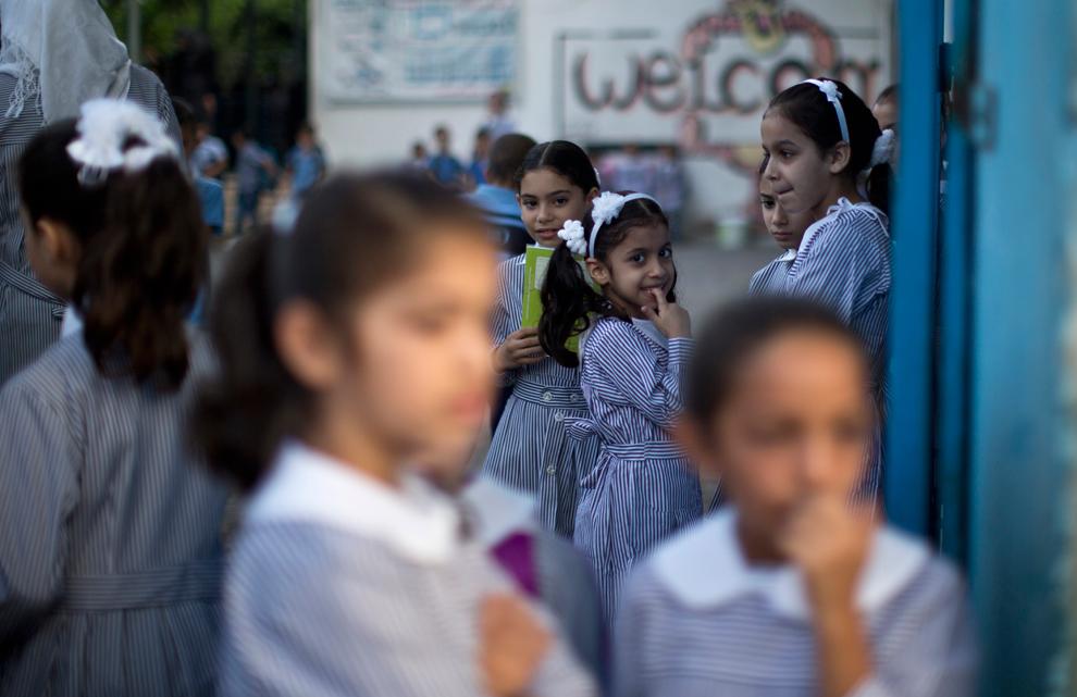Image result for Η πρώτη μέρα στα σχολεία του κόσμου
