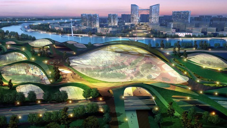 Σε μία περιοχή 30.000 στρεμμάτων, 45 χιλιόμετρα ανατολικά της πόλης Tianjin και 150 χιλιόμετρα νοτιοανατολικά του Πεκίνου, η αρχιτεκτονική ομάδα Surbana Urban Planning Group σχεδίασε μια αειφορική πόλη. To 2020-25, όποτε και αναμένεται ότι θα ολοκληρωθεί θα φιλοξενεί περίπου 350.000 κατοίκους. Αποτελεί αποτέλεσμα της συνεργασίας μεταξύ των κυβερνήσεων της Κίνας και της Σιγκαπούρης, σκοπός των οποίων είναι η δημιουργία μίας αειφορικής κοινότητας με χαμηλό περιβαλλοντικό αποτύπωμα που θα ελαχιστοποιεί τις εκπομπές διοξειδίου του άνθρακα. Η κατασκευή της συγκεκριμένης πόλης αναμένεται να λειτουργήσει ως πρότυπο μοντέλο ανάπτυξης και αντίστοιχων μελλοντικών πόλεων της περιοχής αλλά και παγκοσμίως.