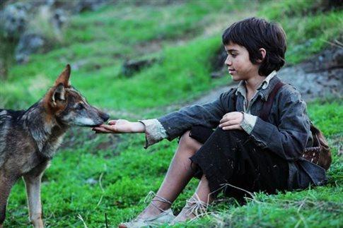 Σκηνή από την ταινία «Among Wolves» που αφηγείτο την ιστορία του Ροντρίγκες Παντόγια