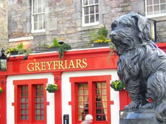 greyfriars-bobby-monument-edinburgh