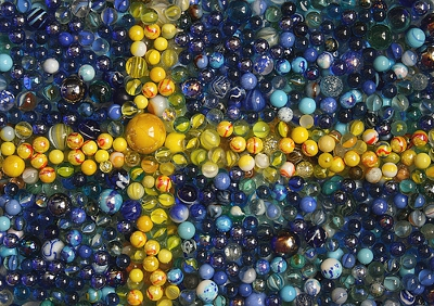 Swedish-flag-marbles
