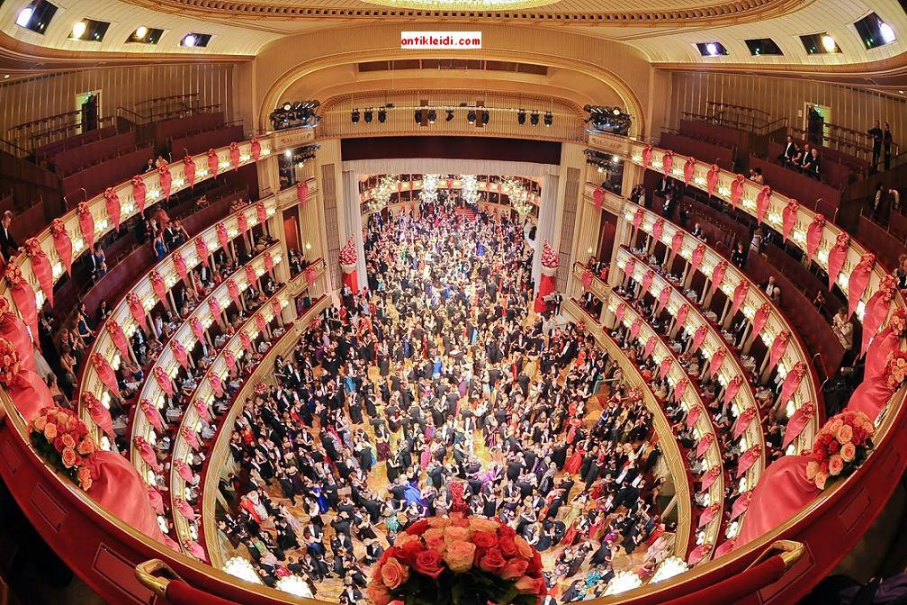 Opera-House-Gallery