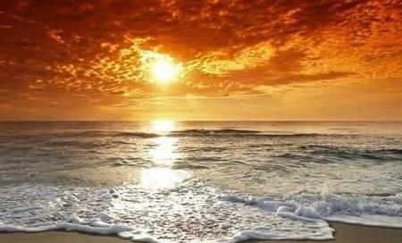 Ηλιοβασίλεμα στην παραλία