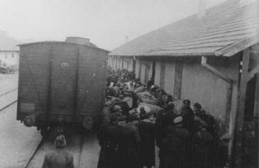Απέλαση Εβραίων από τις βουλγαρικές αρχές κατοχής. Σκόπια, Γιουγκοσλαβία, Μάρτιος του 1943