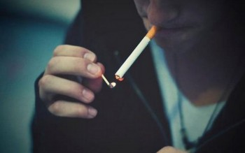 835635_smoke44