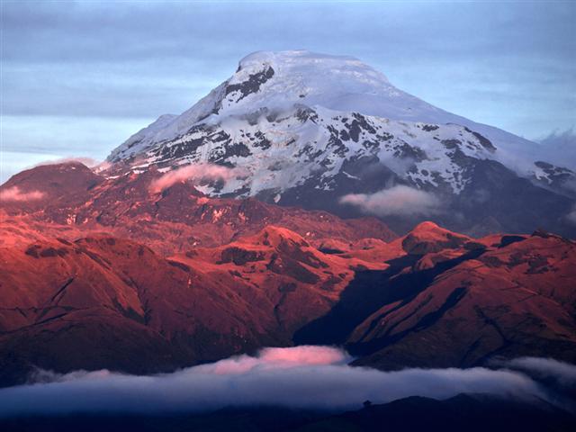 volcan-cayambe-ecuador-volcano
