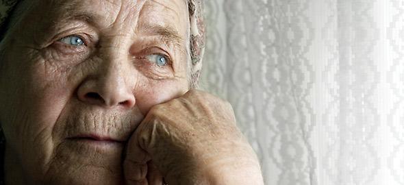 elderly-590_b