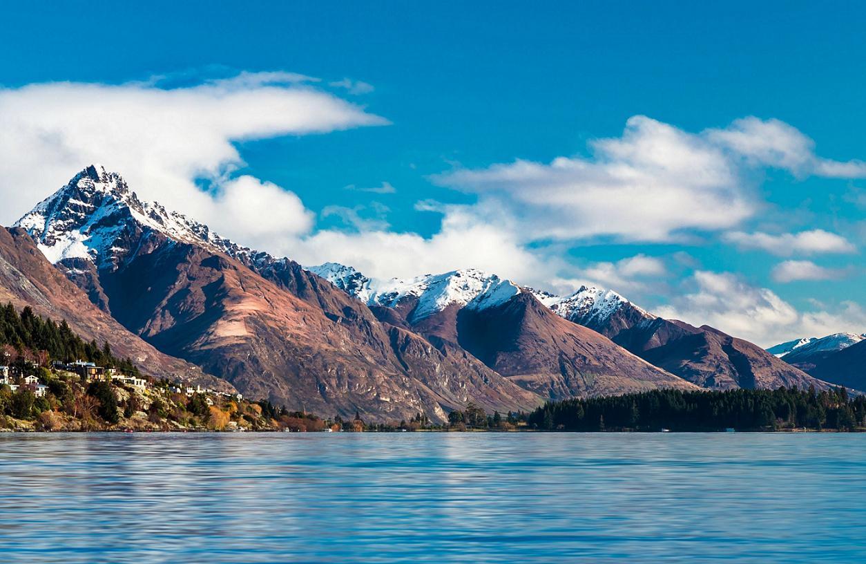 Η λίμνη Wakatipu στη Νέα Ζηλανδία.