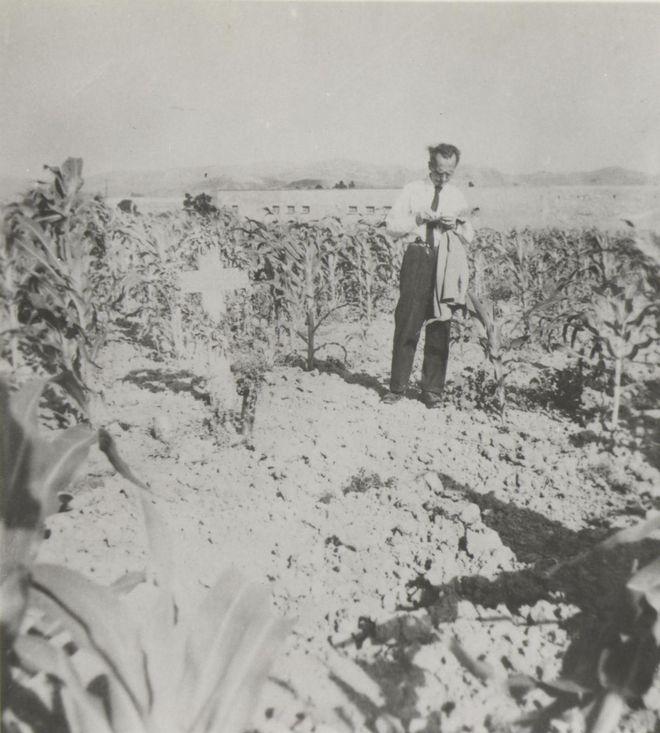 (1945 - Ιούλιος - ο Καζαντζάκης περιοδεύει στα Χανιά)