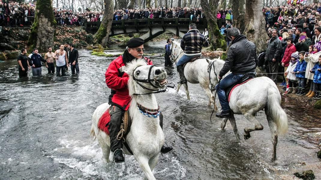 Θεοφάνεια στη Νάουσα /Φωτογραφία: In Time News