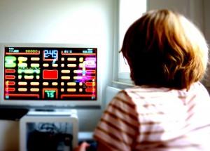 παιδια-παιζουν-βιντεοπαιχνιδι-300x215