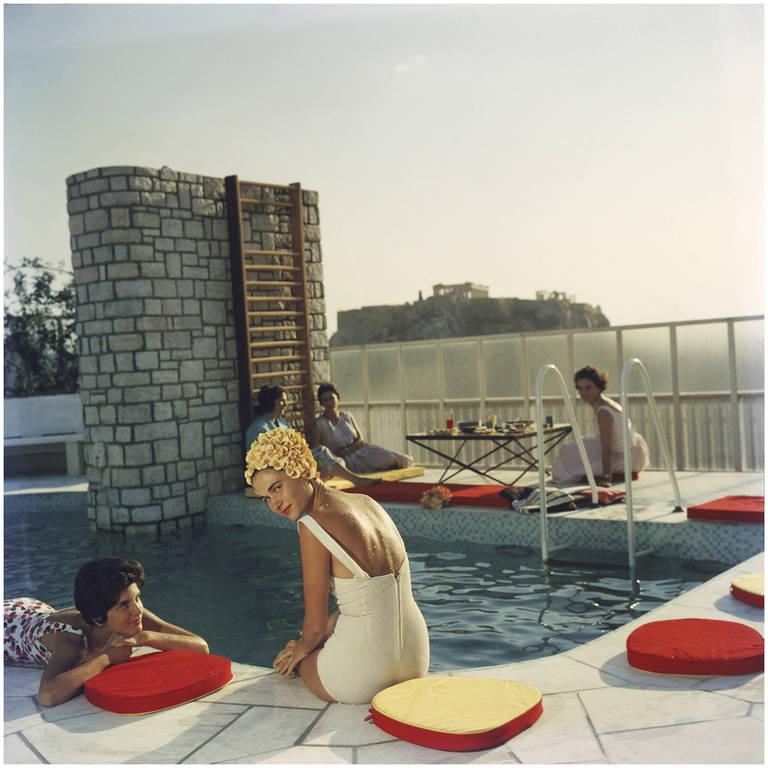 Στη rooftop πισίνα της οικογένειας Κανελοπούλου. Μία από τις πιο διάσημες φωτογραφίες του Aarons.