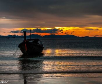 boat-sea-sun