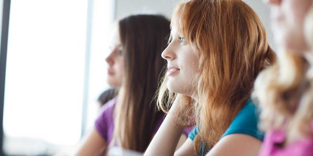 TEACHER-STUDENTS-facebook