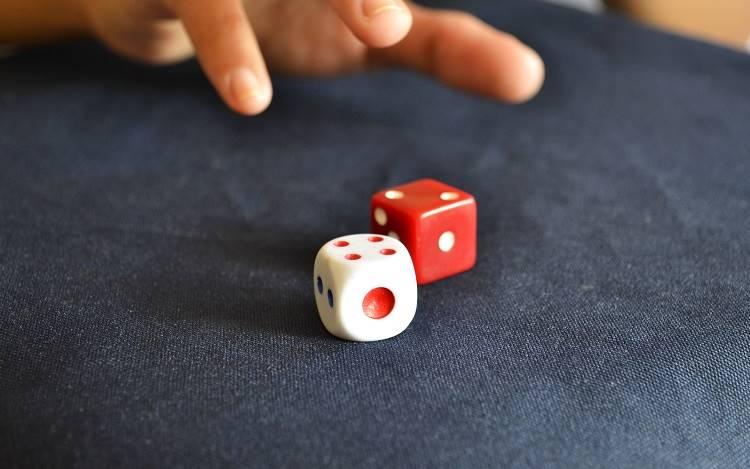 Στα πλαίσια ενός πειράματος, οι συμμετέχοντες κλήθηκαν να παίξουν ένα απλό παιχνίδι, στο οποίο ήταν εύκολο να κλέψουν
