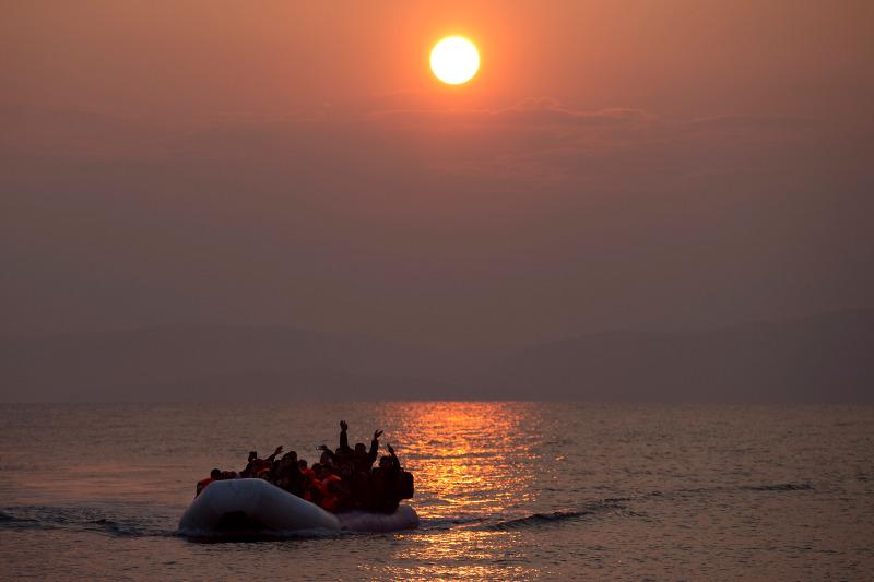 Ελλάδα: Πρόσφυγες φτάνουν στη Λέσβο 20/3 (AP Photo/Petros Giannakouris, File)