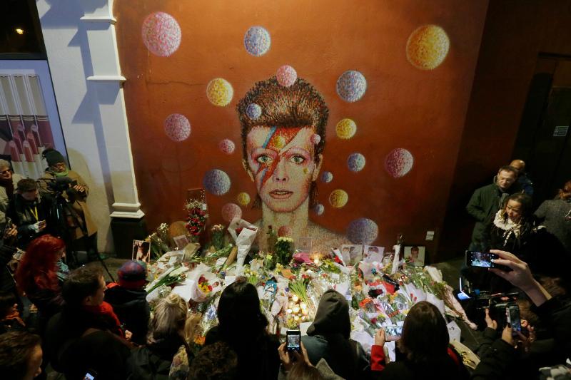 Βρετανία: Θρήνος για τον Ντέιβιντ Μπάουι 11/1