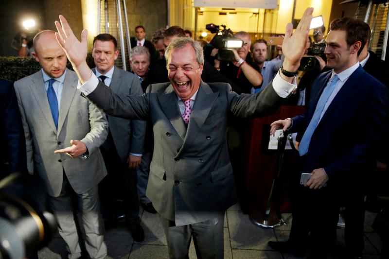 Βρετανία: Ο Νάιτζελ Φάρατζ ψηφίζει Brexit 24/6 (AP Photo/Matt Dunham, File)