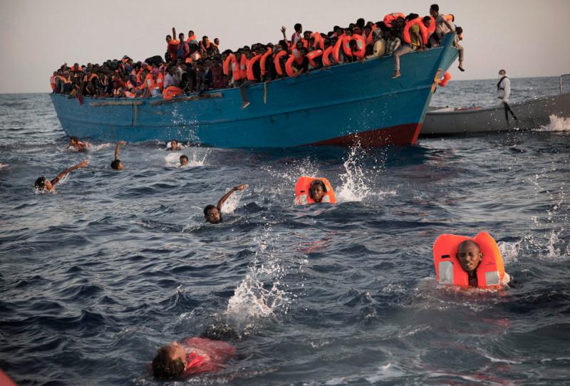 Μεσόγειος: Ναυάγιο προσφύγων ανοικτά της Λιβύης 29/8 (AP Photo/Emilio Morenatti, File)