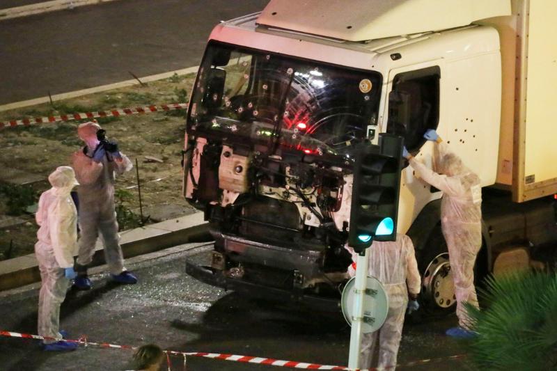 Γαλλία: Φορτηγό τρομοκράτη σκόρπισε τον θάνατο στη Νίκαια 14/7 (Sasha Goldsmith via AP, File)