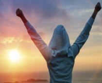 Μπορούμε να συνδέσουμε την επιτυχία μας με την ευτυχία μας;
