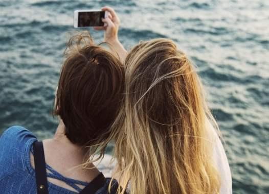 Στην εποχή του Influencer -Όταν οι έφηβοι κάνουν φώτοσοπ στις φωτογραφίες για τα.