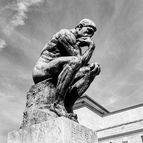 Πνευματικοί άνθρωποι: Εξορία ή στράτευση